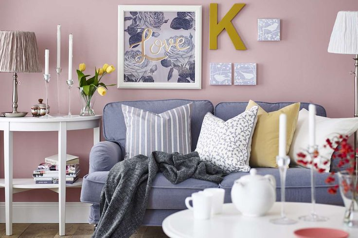 d co salon petit salon couleur pastel canape coussins cadres photos ikea. Black Bedroom Furniture Sets. Home Design Ideas