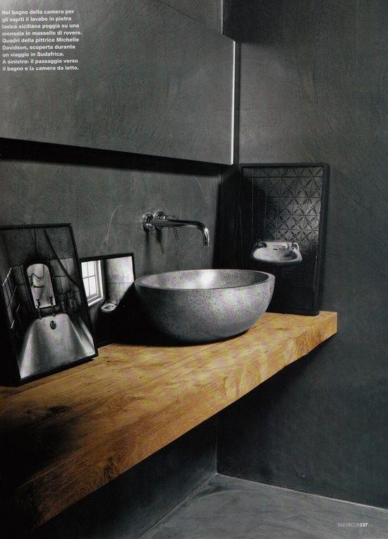 id e d coration salle de bain regardsetmaisons une planche en bois dans la salle de bain. Black Bedroom Furniture Sets. Home Design Ideas
