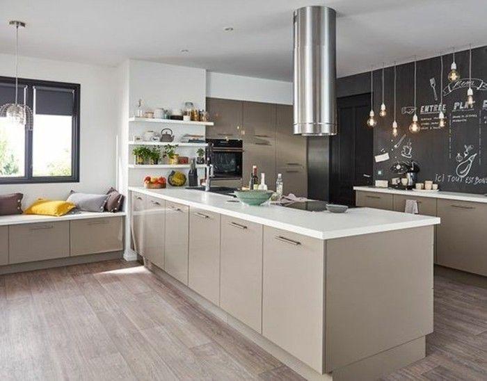Cuisine moderne et accueillante modele cuisine taupe avec for Idee deco cuisine avec model cuisine moderne