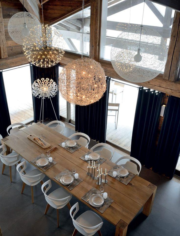 salle manger un chalet familial sur 5 niveaux en savoie id es d co meubles et int rieurs. Black Bedroom Furniture Sets. Home Design Ideas