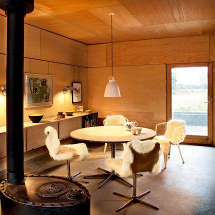 salle manger lind bonderup 39 s home and office wood dining fireplace. Black Bedroom Furniture Sets. Home Design Ideas