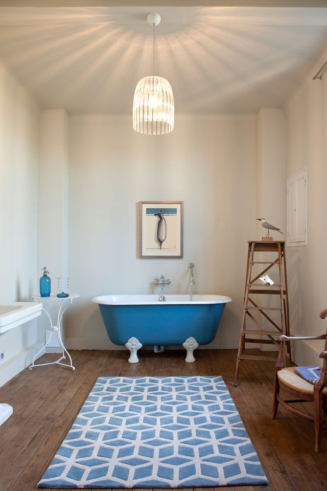 id e d coration salle de bain bleu dans la salle de bains 10 inspirations d co listspirit. Black Bedroom Furniture Sets. Home Design Ideas
