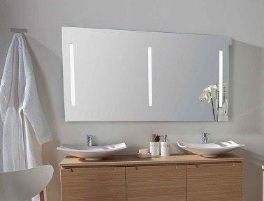 refaire sa salle de bain d co avec miroir et lumi re. Black Bedroom Furniture Sets. Home Design Ideas