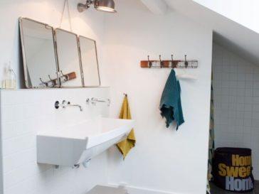 Id e d coration salle de bain d 39 abord elle peint cette - Idees deco de salle de bain au style tropical ...
