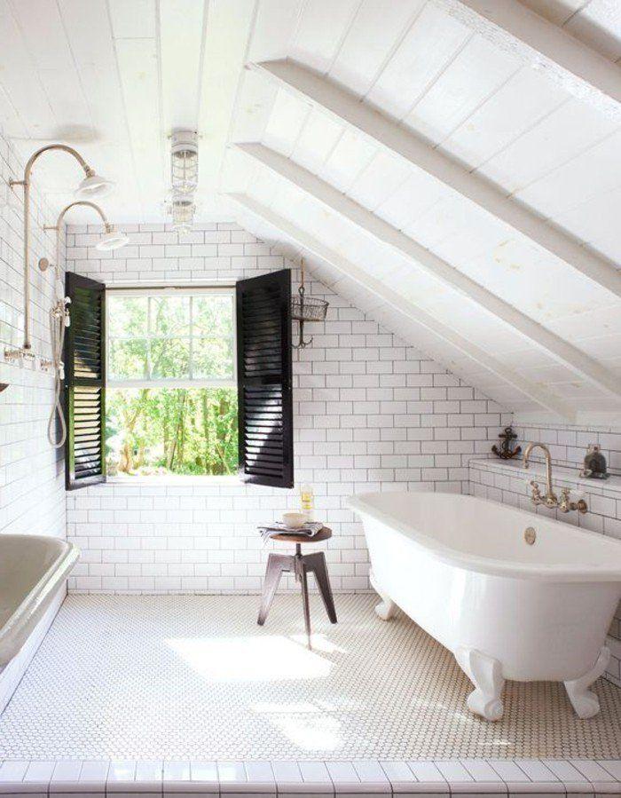 style cocooning salle de bain baignoire plafond avec. Black Bedroom Furniture Sets. Home Design Ideas