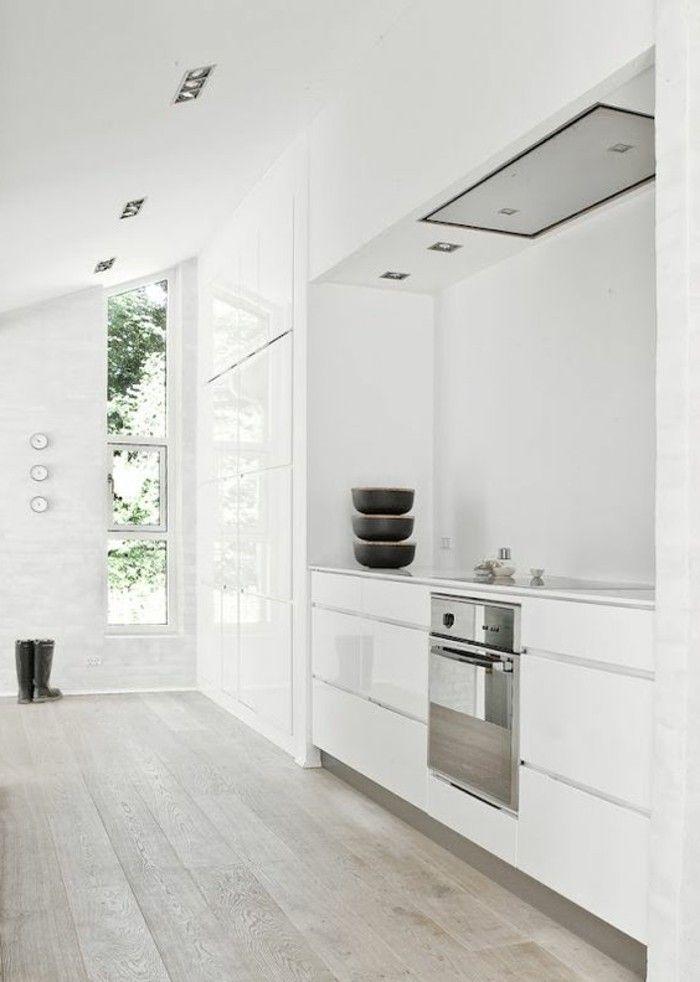 id e relooking cuisine cuisine sol en parquet chene massif clair meubles blancs idee deco. Black Bedroom Furniture Sets. Home Design Ideas