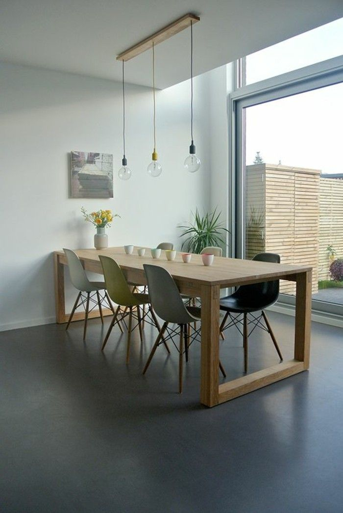 salle manger table car e ikea en bois clair avec. Black Bedroom Furniture Sets. Home Design Ideas
