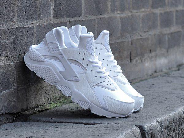 91c637dad908 Tendance Chaussures 2017 - Nike Wmns Air Huarache blanche (1 ...