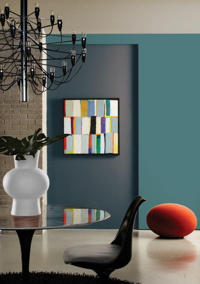 D co salon un joli salon avec murs de couleur bleu fonc for Quelle peinture choisir