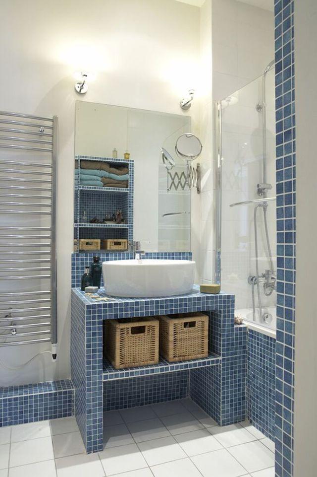 id e d coration salle de bain cool id e d coration salle de bain bleu dans la salle de bains. Black Bedroom Furniture Sets. Home Design Ideas