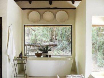 id e d coration salle de bain une verri re avec des portes coulissantes id ales pour optimiser. Black Bedroom Furniture Sets. Home Design Ideas