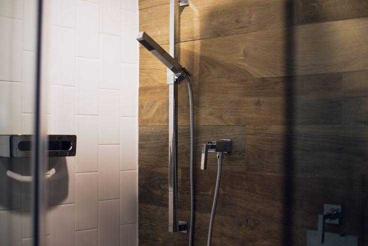 id e d coration salle de bain r sultats de recherche d 39 images pour c ramique imitation bois. Black Bedroom Furniture Sets. Home Design Ideas