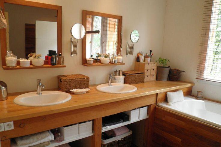 description salle de bains lumineuse