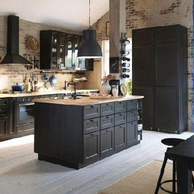 Id e relooking cuisine une cuisine ouverte noire tr s for Idee plan cuisine ouverte