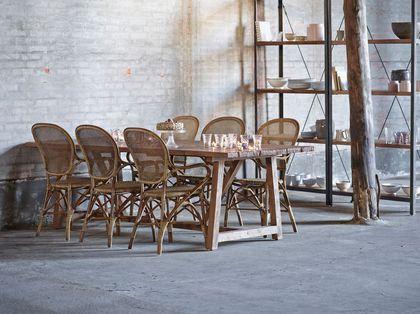 Salle A Manger Twister La Salle A Manger Avec Des Chaises En Rotin