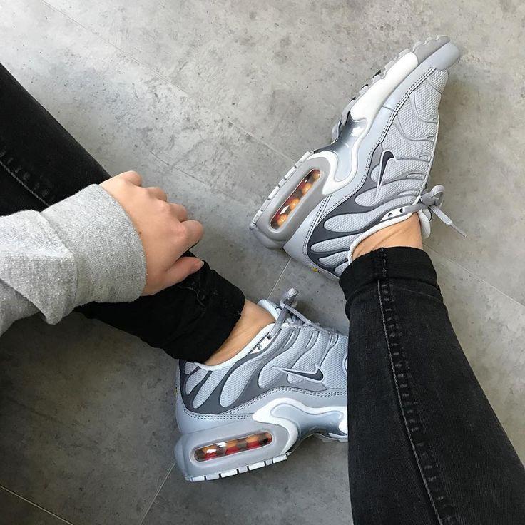 huge selection of d91ce 42654 Tendance Basket 2017 - Sneakers women - Nike Air Max Plus grey ...