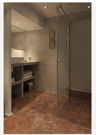 Id e d coration salle de bain salle de bain b ton et for Idee deco salle de bain ancienne