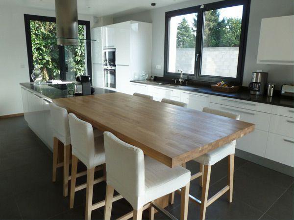id e relooking cuisine hs cuisine ouverte une grande table avec l 39 il t et pas de table de. Black Bedroom Furniture Sets. Home Design Ideas