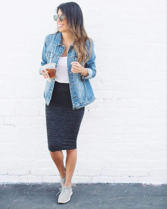 tendance basket 2017 tenue veste en jean bleue claire d bardeur blanc jupe crayon grise. Black Bedroom Furniture Sets. Home Design Ideas