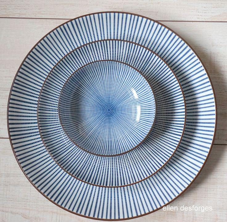 id e relooking cuisine vaisselle japonaise sendan cette porcelaine blanc bleu se distingue des. Black Bedroom Furniture Sets. Home Design Ideas