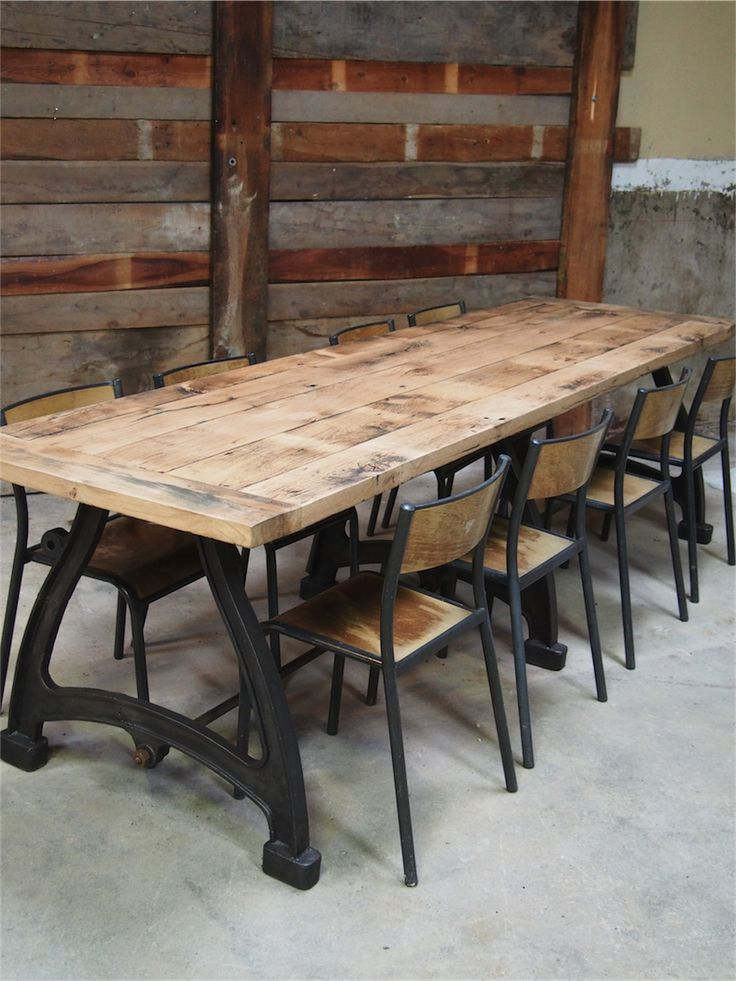 Id e relooking cuisine tres grande table industrielle for Table 3 pieds