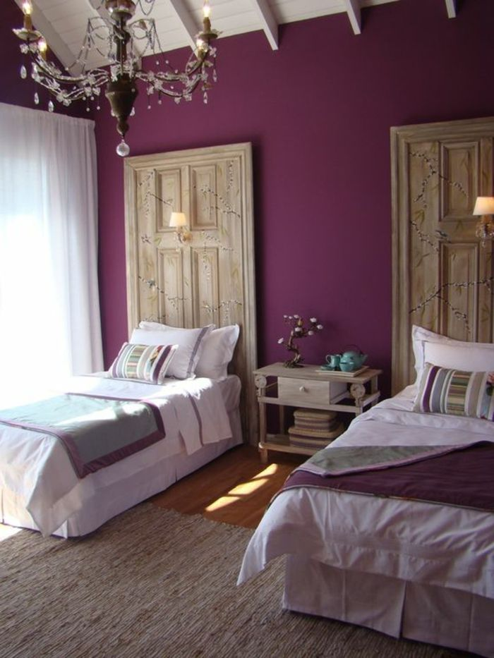 d co salon couleur prune pour les murs dans la chambre a coucher leading. Black Bedroom Furniture Sets. Home Design Ideas