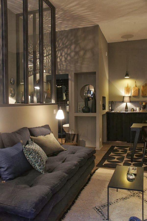 d co salon d couvrir l 39 endroit du d cor o petit et sombre sont des qu. Black Bedroom Furniture Sets. Home Design Ideas