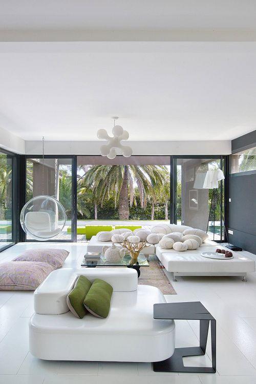 d co salon grande tendance d co le blanc du sol au plafond leading. Black Bedroom Furniture Sets. Home Design Ideas