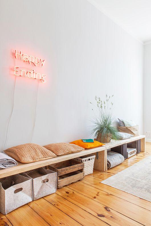 d co salon touches de couleur pour un petit espace berlin leading. Black Bedroom Furniture Sets. Home Design Ideas