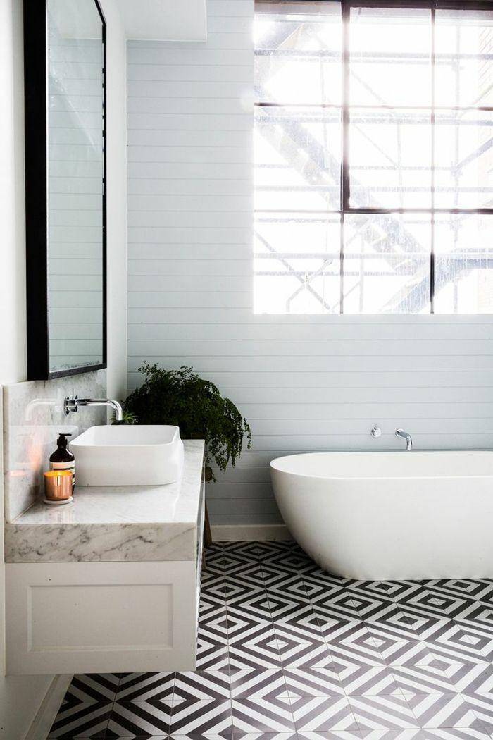 id e d coration salle de bain carrelage noir et blanc sur le sol dans la salle de bain. Black Bedroom Furniture Sets. Home Design Ideas