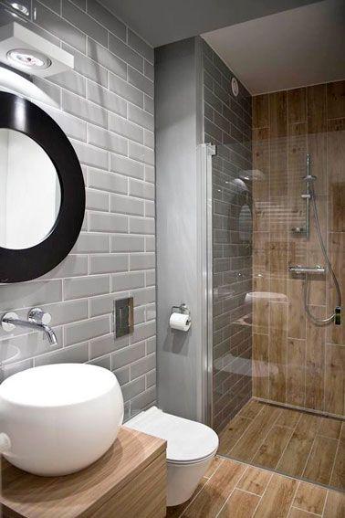 Idée décoration Salle de bain - Petite salle de bain bois et grise ...