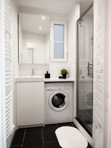 id e d coration salle de bain petits espaces dix mini salles de bains parfaitement. Black Bedroom Furniture Sets. Home Design Ideas
