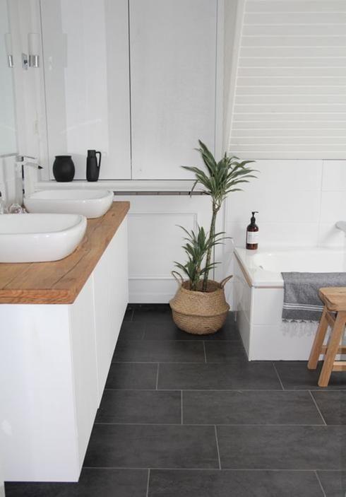 Idée décoration Salle de bain - Salle de bain plancher de céramique ...