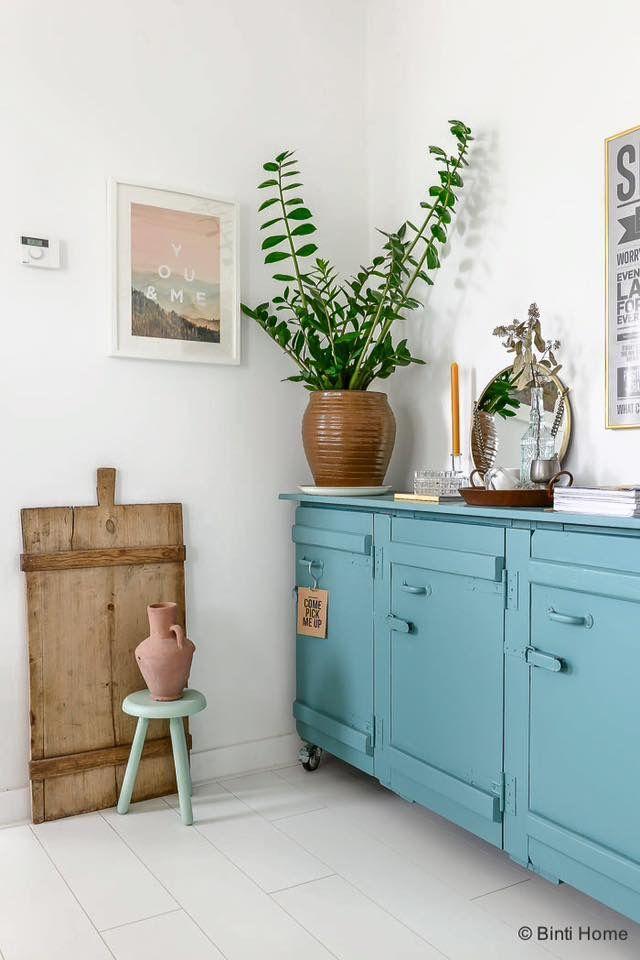 id e relooking cuisine ambiance vintage dans la pi ce de vie avec ce meuble ancien repeint. Black Bedroom Furniture Sets. Home Design Ideas