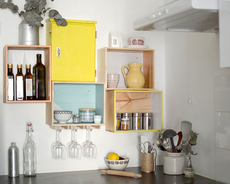 id e relooking cuisine diy les etageres en caisses a vin leading. Black Bedroom Furniture Sets. Home Design Ideas