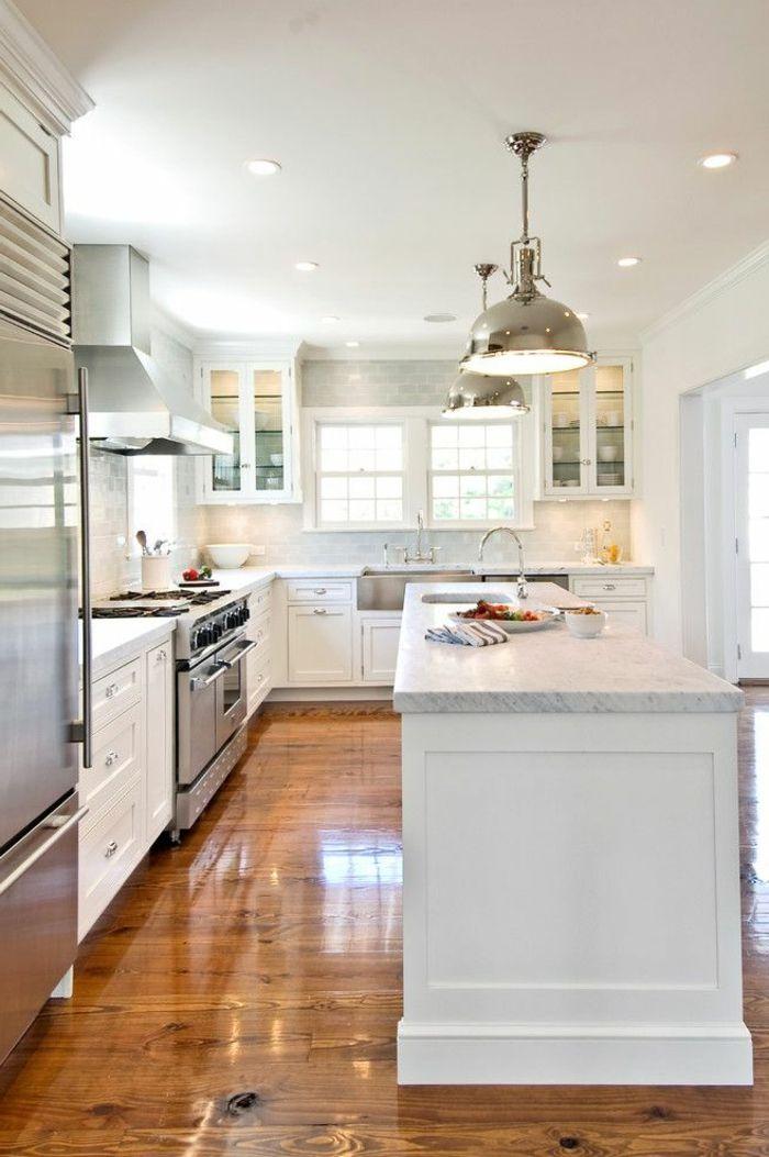 Id e relooking cuisine une jolie cuisine blanche avec for Cuisine avec sol parquet
