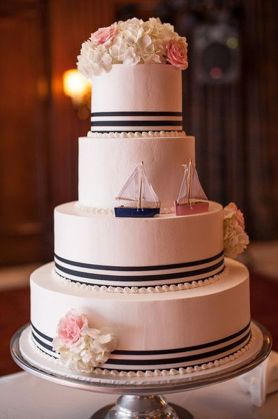 pi ce mont e 2017 parfait pour un mariage nautique preppy weddingcake kristen penner. Black Bedroom Furniture Sets. Home Design Ideas