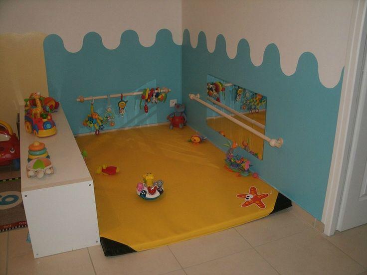 salle de jeux bebe chambre bb with salle de jeux bebe elegant meuble de rangement chambre. Black Bedroom Furniture Sets. Home Design Ideas