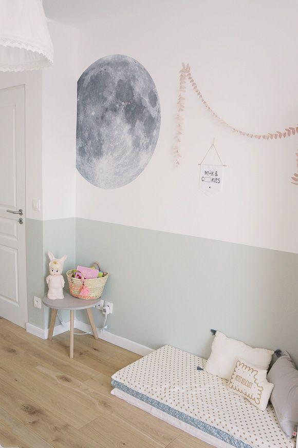 relooking et d coration 2017 2018 une peinture grise bleue qui d core une chambre de fille. Black Bedroom Furniture Sets. Home Design Ideas