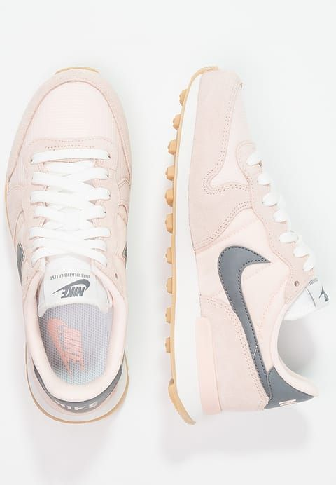 lowest price df4ff 3d997 Description. Chaussures Nike Sportswear INTERNATIONALIST – Baskets basses – sunset  tint cool grey summit ...