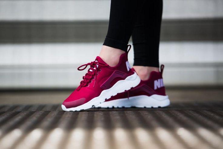 2ff24a0e1b14 Tendance Chaussures 2017 - Sneakers femme - Nike Air Huarache Run ...
