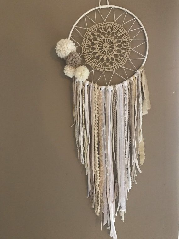 attrape r ves dreamcatcher boho chic pompons leading inspiration culture. Black Bedroom Furniture Sets. Home Design Ideas
