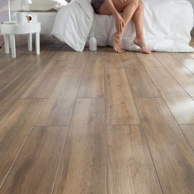 D co salon du carrelage imitation parquet leading - Carrelage imitation parquet salon ...