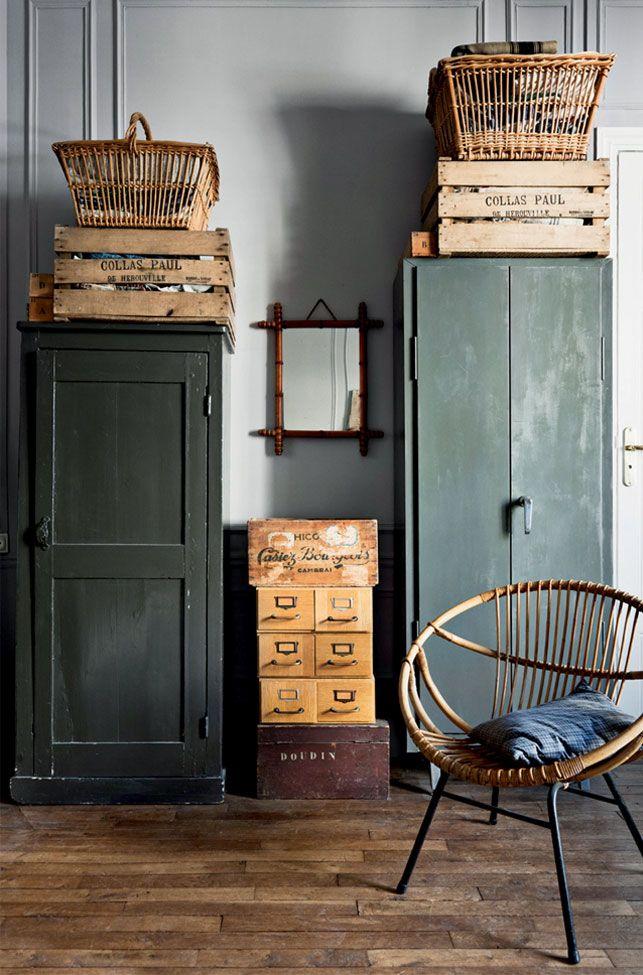 lesprit du salon get directions luesprit salon schmink amp und andere tische von fdh online. Black Bedroom Furniture Sets. Home Design Ideas