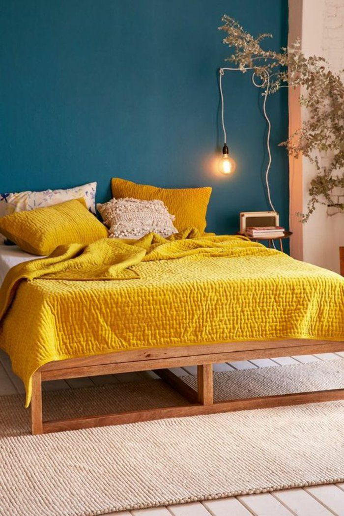 d co salon mur bleu canard chambre jaune moutarde mur bleu d coraton avec couleurs contras. Black Bedroom Furniture Sets. Home Design Ideas
