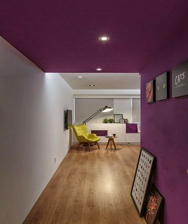 d co salon peindre un plafond et un mur de couloir en violet aubergine. Black Bedroom Furniture Sets. Home Design Ideas