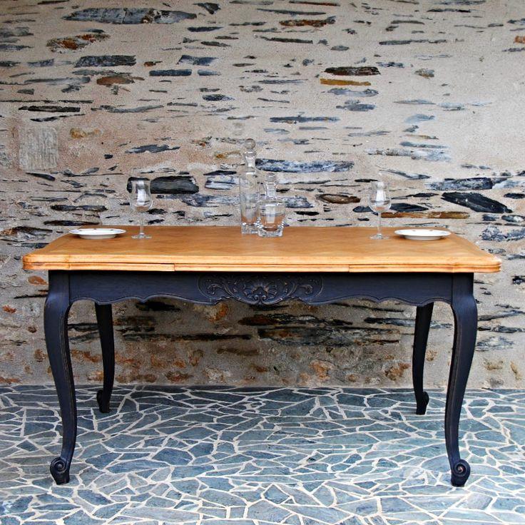 D co salon table de salle manger classique deco for Decoration de table a manger