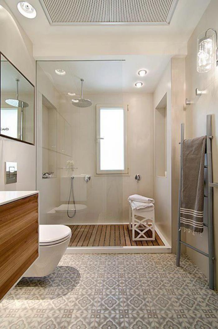 id e d coration salle de bain salle de bains jolie carreaux de ciment et planches de bois. Black Bedroom Furniture Sets. Home Design Ideas