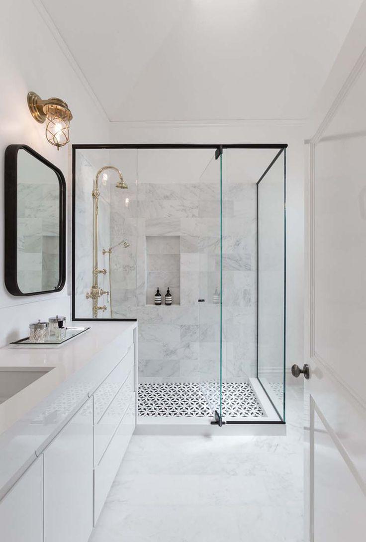 Idée décoration Salle de bain - Une des salles de bains de la ...