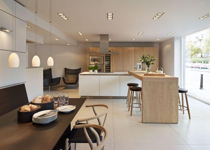 Id e relooking cuisine bulthaup b3 39 rough sawn oak 39 kitchen with carl hansen furniture and - Cuisine bulthaup ...